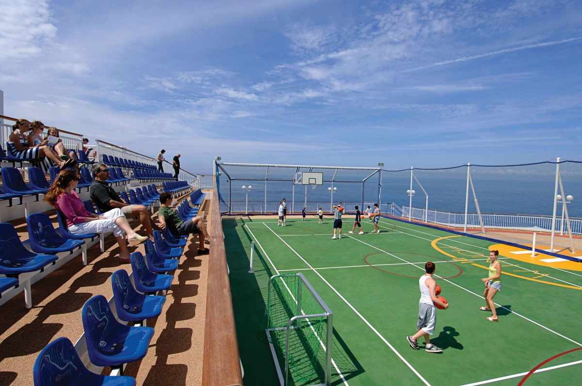 Norwegian Jewel Basketball Court