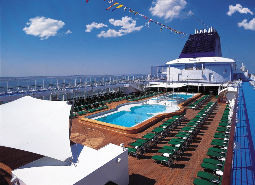 Norwegian Sky Main Pool