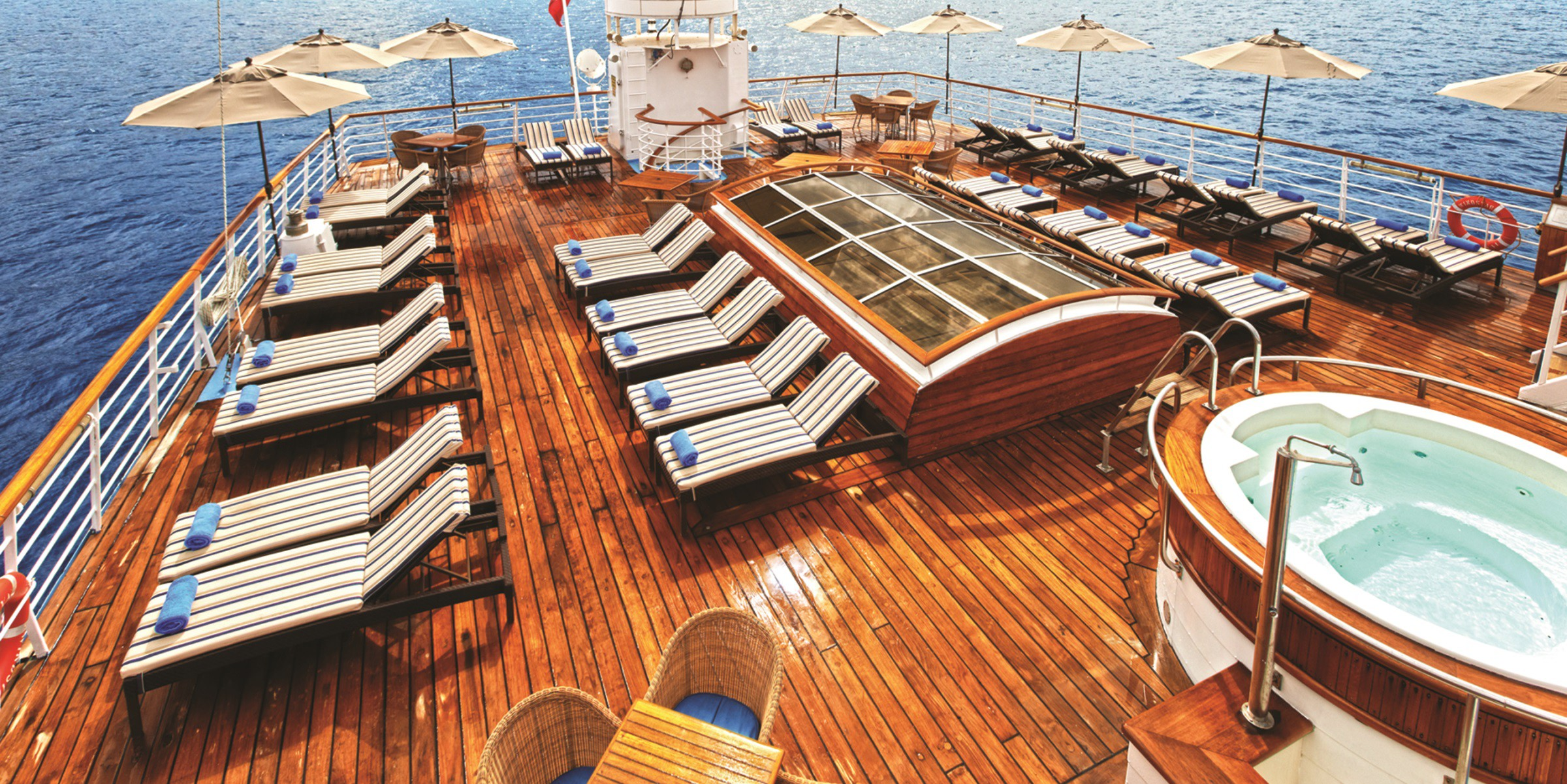 Pool deck on the Star Pride