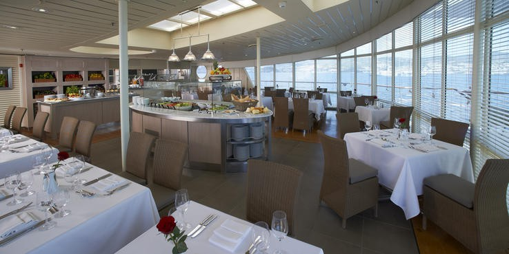 Dining on the Wind Sprit luxury cruise ship